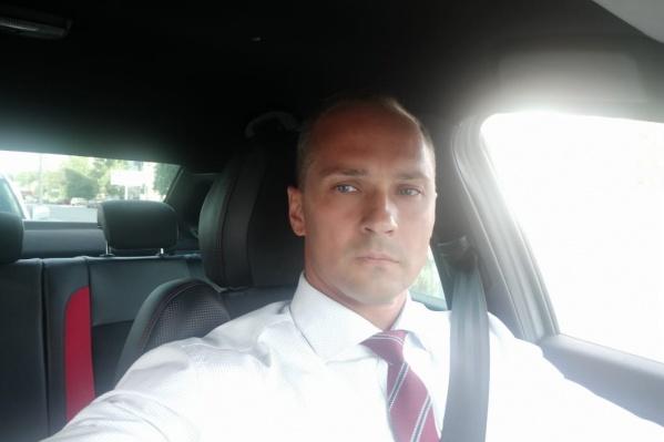 Роман Кравченко сделал селфи за рулем автомобиля