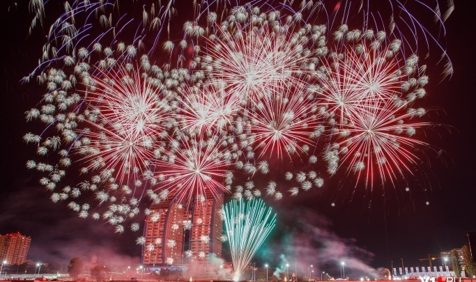 «Абсурды нашего городка»: Новый год в центре Волгограда отметили по московскому времени