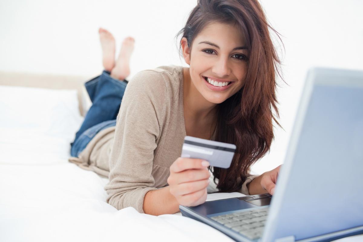 УРАЛСИБ вошел в топ-10 рейтинга банков-эмитентов карт «Мир»