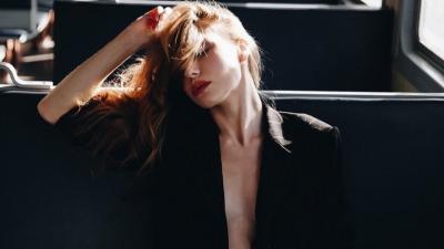 Теперь, когда ветер — в кайф: смотрим, как волгоградские красотки и модницы встречают первые холода