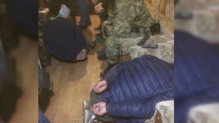 Шесть с половиной лет на троих: в Башкирии осудили банду наркодилеров