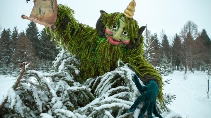 По следам старых легенд Татарстана: чтобы новогоднее желание исполнилось, нужно прикоснуться двумя руками к башне Сююмбике