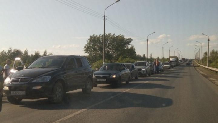В Минтрансе назвали причину огромной пробки на мосту через Чусовую
