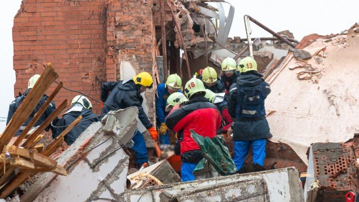 Появилось видео работы спасателей в доме, где произошел взрыв