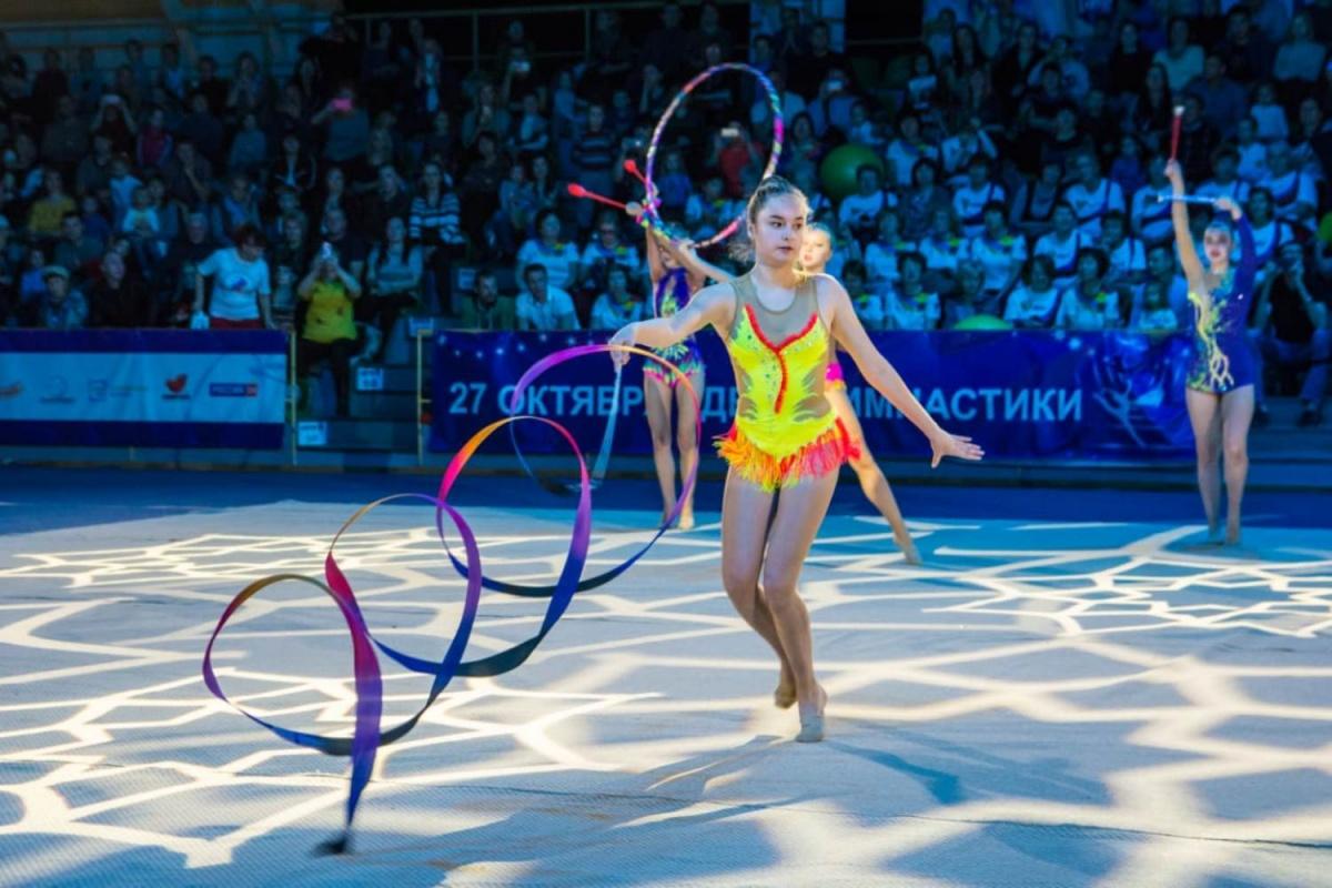 Красивая гимнастика со стриптизом — 13