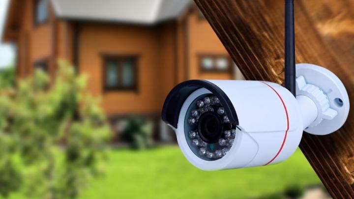 Загородный Weekend с цифровым помощником: как «отключить» тревогу за свой дом