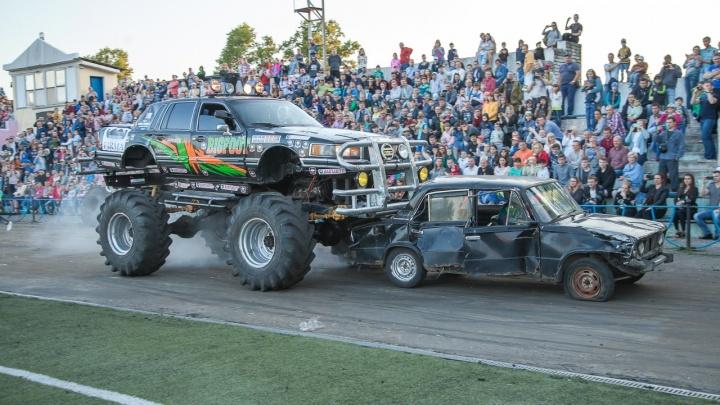 «Пусть она уйдет красиво»: волгоградцев и их старые машины приглашают на шоу каскадеров в Волжский