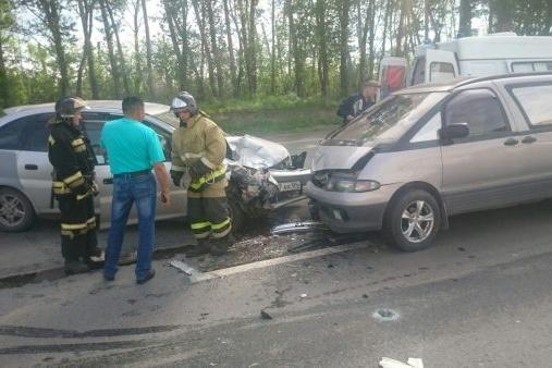 В ДТП пострадали пассажирка «Тойоты Надиа» и водитель«Тойоты Люсида»