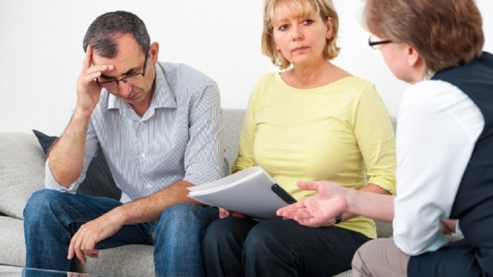 «Спасательный круг для тех, кто тонет в болоте долгов»: пять главных вопросов о банкротстве