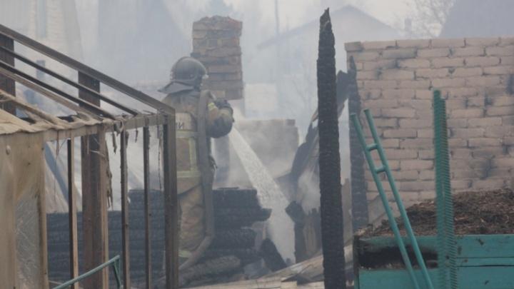 В Курганской области пострадавшим от майских пожаров выдали первую материальную помощь