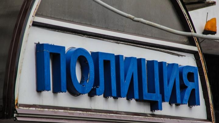 В Ростове поймали воришку, пробравшегося в магазин с канцтоварами