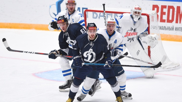 Хоккейный клуб «Зауралье» обыграл «Динамо» в Санкт-Петербурге со счётом 2:1