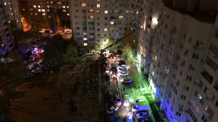В Волгограде сгорела квартира в многоэтажке: есть пострадавшие