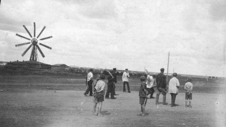 Краеведы нашли первую фотографию омской ветряной мельницы — она стояла в районе 20-й Линии