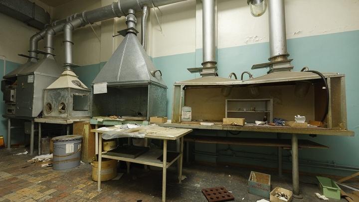 Экскурсия в прошлое: екатеринбуржец снял цеха заброшенного Приборостроительного завода