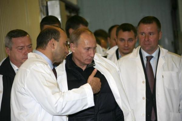 В 2010 году Вадим Ванеев демонстрировал свое предприятие Владимиру Путину