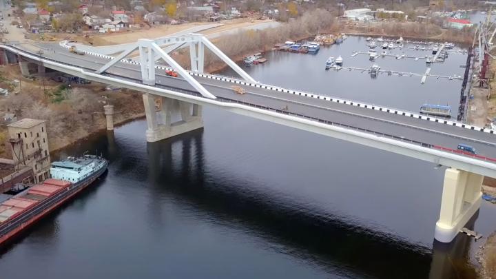 Прочность Фрунзенского моста проверят 25 грузовиками