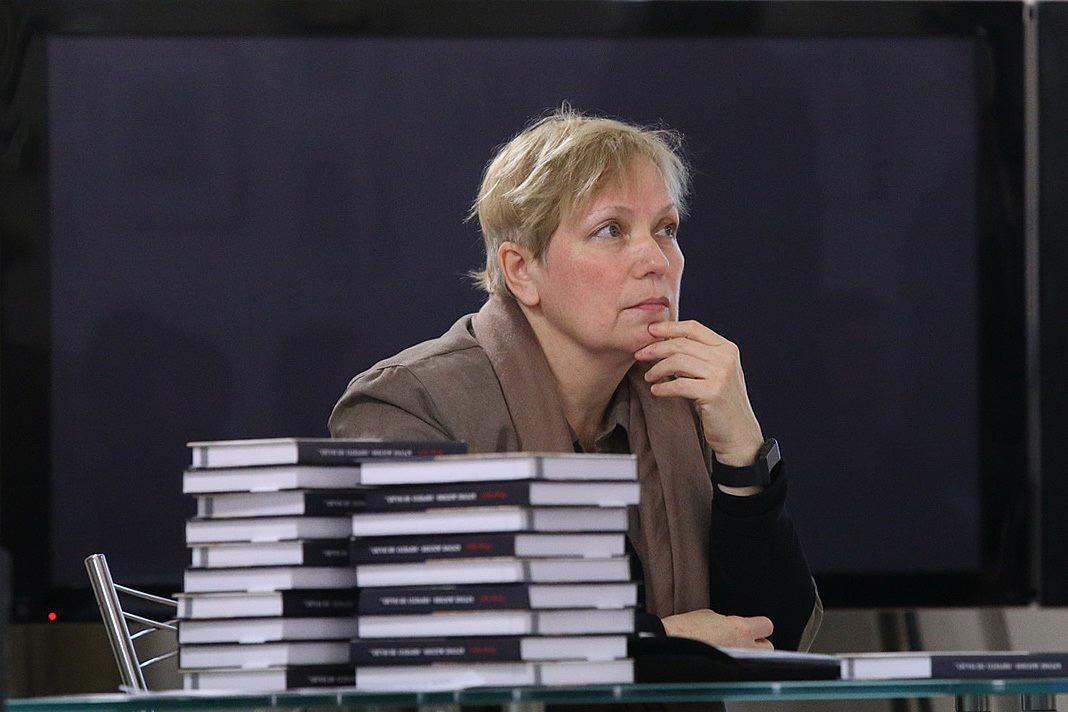Редактор-составитель книги Елена Чернова