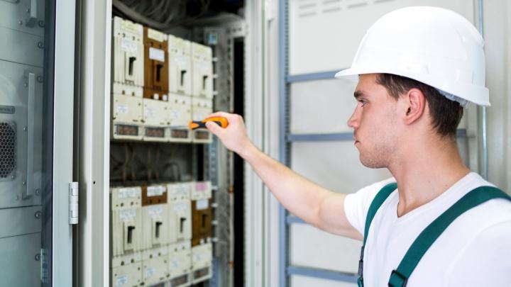 Специалисты ТНС энерго Ярославль устранили неисправности электропроводки в необслуживаемом жилом доме