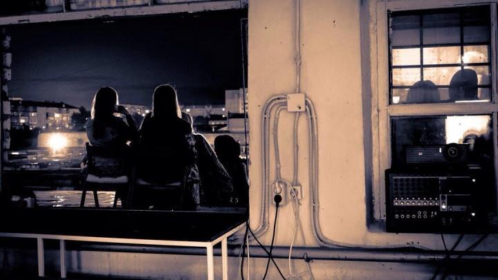 Старые афиши, костюмы актеров и автокинотеатр: рассказываем, гдев Тюмени отдохнуть киноманам