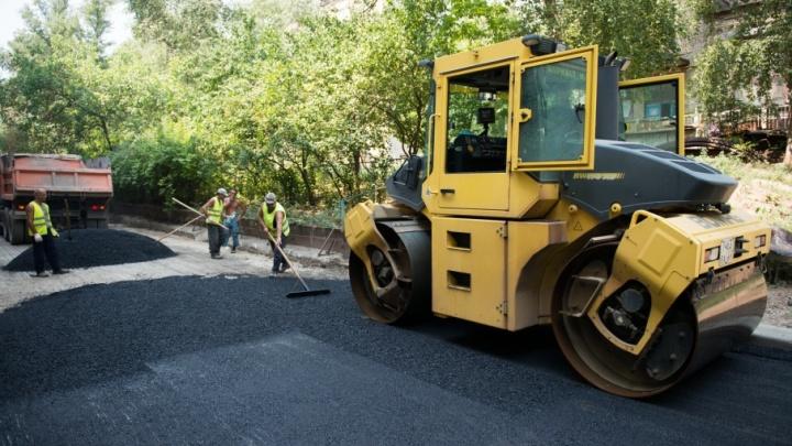 «Сумма на ремонт серьёзная»: дорожники починят асфальт на ключевых улицах Челябинска