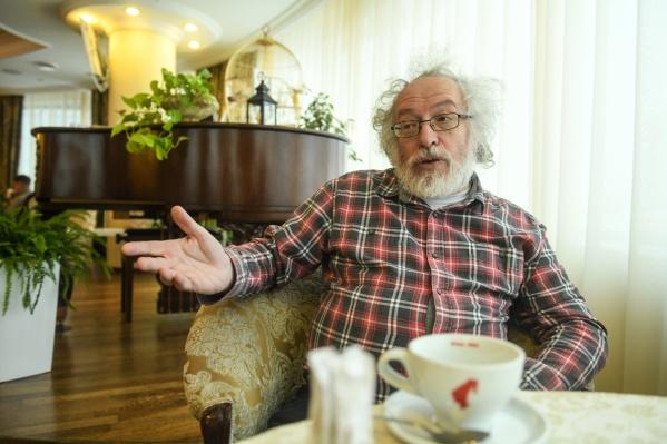 Алексей Венедиктов поддерживает прямые выборы мэров, но считает, что для их возвращения придется переписать Конституцию и встроить местное самоуправление в вертикаль власти