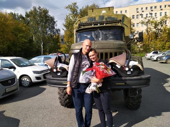Сергей и Светлана женаты два года. Из ЗИЛа они хотят сделать автодом и путешествовать