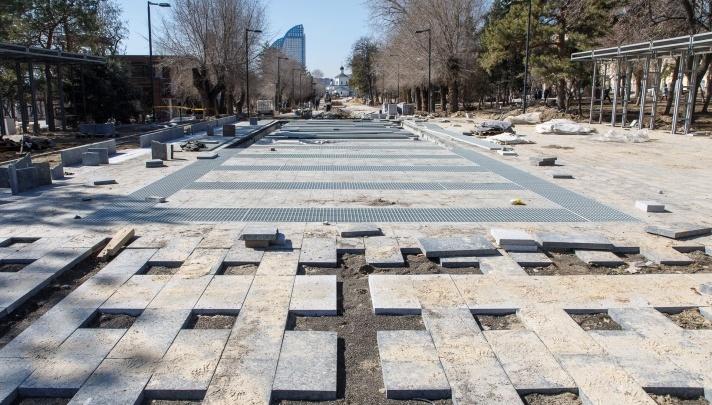 «С ночной подсветкой»: из нового фонтана на набережной Волгограда забьет 30 мощных струй