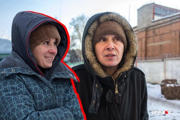 В нынешнем облике активистки от прошлогодней Влады Жаркой осталась только шапка — сейчас женщина воюет с зоозащитниками и побирается на улицах