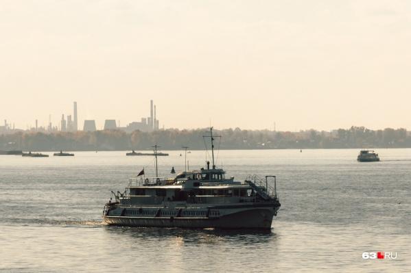 Компанию пассажирским судам составят грузовые паромы