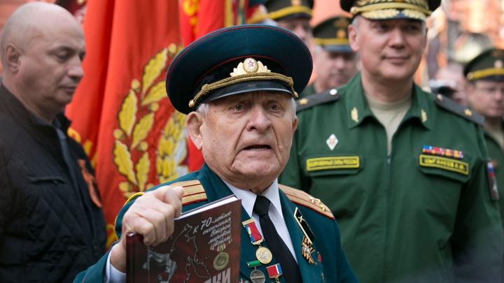 В Новосибирске умер Герой Советского Союза Дмитрий Бакуров