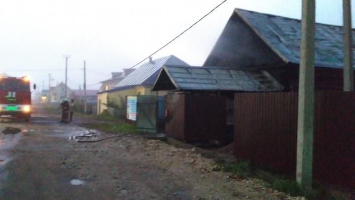 Вывел детей из огня: в Башкирии отец не растерялся во время пожара