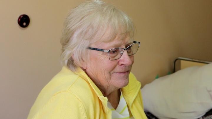Тюменские врачи спасли 80-летнюю жительницу Канады, которой стало плохо при взлете в самолете