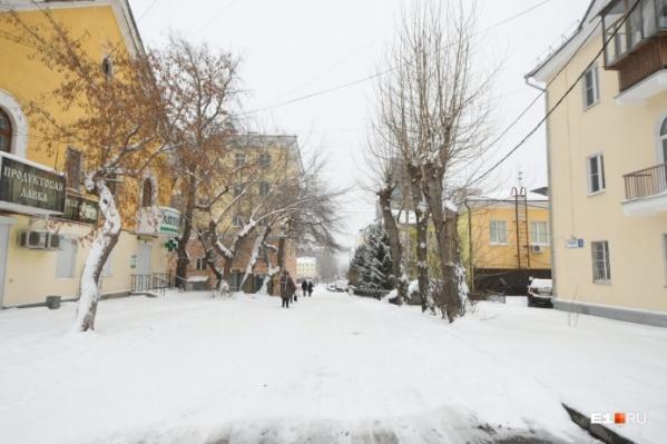 В квартале, который собирается осваивать застройщик, стоят дома 50-х годов