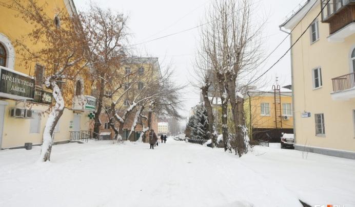 Жители квартала у Макаровского моста попросили не сносить их дома и гаражи. Ответ мэрии