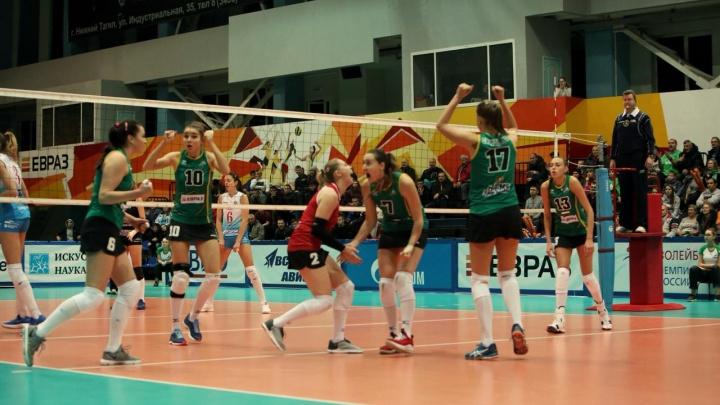 Сенсация: девчонки из «Уралочки» впервые за пять лет обыграли чемпиона страны