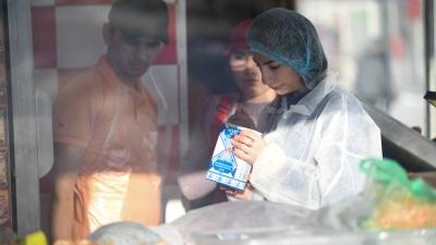 Роспотребнадзор нашел нарушения в работе продавцов «самсы с тараканами» у Южного автовокзала