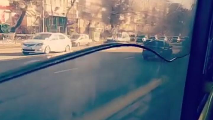 Море рядом: автобус с встроенным аквариумом обнаружили пассажиры в заснеженном Ростове