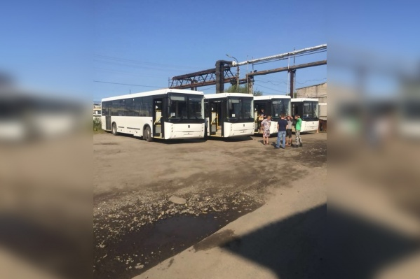 Из 13 междугородних автобусов 7 уже находятся в Архангельске