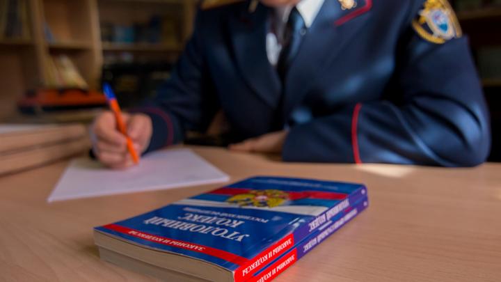 Продавали зачеты: в Самаре преподавателей английского и физкультуры заподозрили во взятках