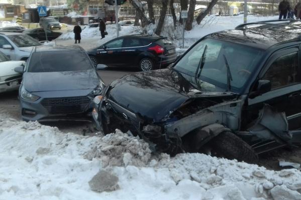 Массовая авария обернулась травмами для одного из её участников