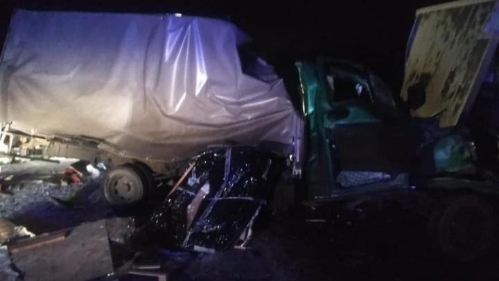Появилось видео с места ночной аварии на трассе М-7 под Уфой