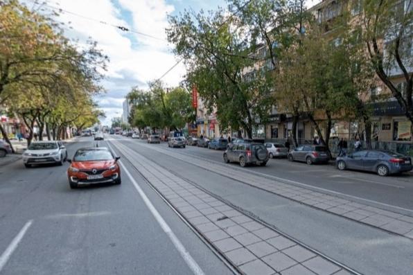 В Екатеринбурге психбольной угрожает взорвать жилой дом около Южного автовокзала