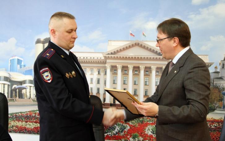 Алексей Ушатый слева