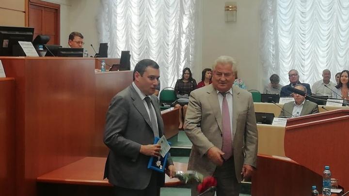 В самарской губдуме вручили награду депутату Хинштейну