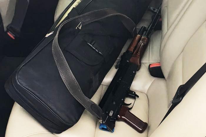 Полицейские одного отдела попались на торговле чужими ружьями