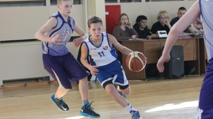 «Денег на детей нет»: юные волгоградские баскетболисты пошли по миру ради Всероссийского турнира