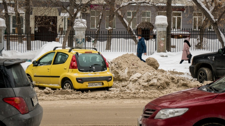 Прокуратура возбудила два дела из-за уборки снега в Новосибирске