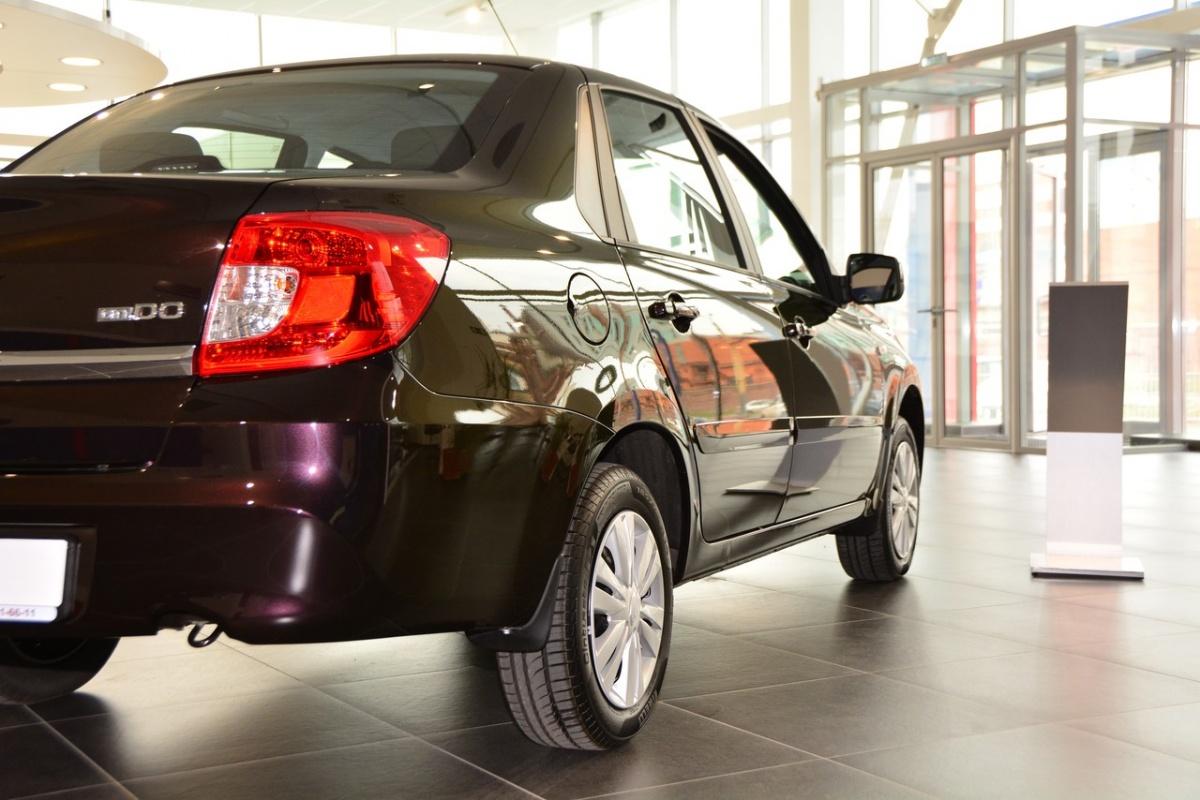 Datsun on-Do относится к классу лоукостеров и у дилеров стоит 461 тысячу рублей