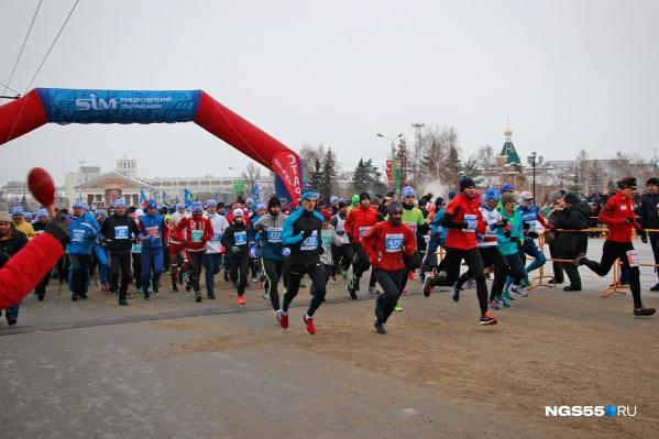 На Рождество по центру Омска будут бегать спортсмены. Соответственно автомобилистов туда не будут пускать целых 30 часов